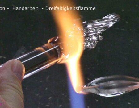 Ascension-Handarbeit-Dreifaltigkeitsflamme